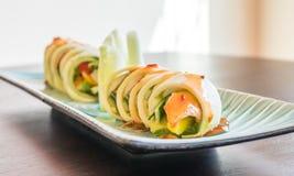 Sushirulle med den tofumango och avokadot för ett strikt vegetariansushimål Royaltyfria Bilder