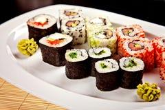 Sushizusammenstellung mit wasabi Lizenzfreies Stockbild