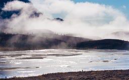 Susitna-Fluss und die Clearwater-Berge Stockfotografie