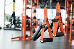 Suspansion no troczy w górę gym w żadny ludzi sporty styl życia zdjęcie royalty free