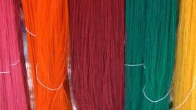 Suspensão colorida das linhas da seda Bandeja vertical filme