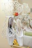 Suspensão das sapatas do casamento Foto de Stock Royalty Free