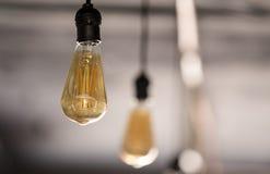 Suspensão de poupança de energia dos bulbos do diodo emissor de luz do vintage Foto de Stock Royalty Free