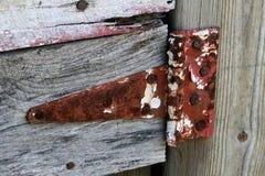 Suspensão sobre: Rusty Hinge Still Works Imagem de Stock
