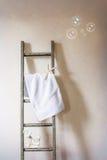 Suspensión de la toalla Imagen de archivo libre de regalías