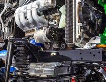 Suspensión y motor del coche imagenes de archivo