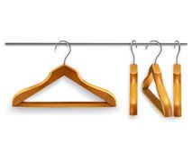 Suspensiones de ropa de madera Imágenes de archivo libres de regalías