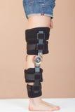 Sustentação ajustável para o pé ou a lesão de joelho imagens de stock royalty free