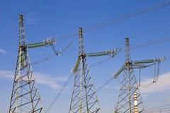 Sustentação da linha de transmissões da eletricidade com fotos de stock