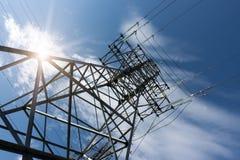 Sustentação da linha de transmissões da eletricidade fotos de stock royalty free