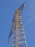 Sustentação de um cano principal elétrico de alta tensão foto de stock