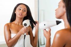 Suszarniczy kobieta włosy zdjęcie stock
