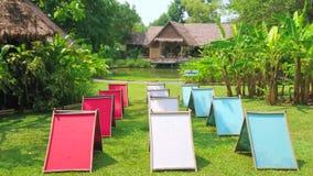 Suszarniczy kolorowy papier w Poopoopaper parku, Chiang Mai, Tajlandia zbiory wideo