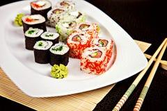 Suszi asortyment z wasabi i chopsticks Obraz Royalty Free