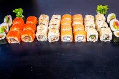 Suszi i rolka ustawiający z łososiem Japoński jedzenie 23 Obraz Stock