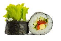 Suszi rolka w nori z warzywami odizolowywającymi na białym tle Obrazy Stock