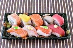 Suszi Ustalony sashimi i suszi rolka Fotografia Stock