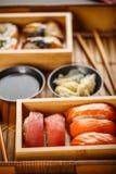 Suszi Ustalony sashimi i suszi rolki Obraz Stock