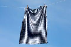 Suszyć pasiasta koszula Zdjęcia Stock