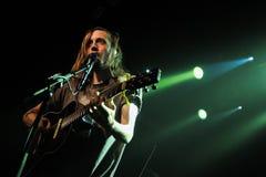 Suszy Rzecznego zespołu wykonuje przy halą koncertową Obrazy Royalty Free