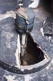 suterenowa kapcanu domu instalaci wodnokanalizacyjnej pompy sump zbiornika woda Fotografia Stock