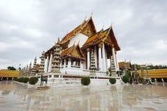 Suthat tempel, Bangkok Arkivbild