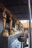 Suthats da monge e lâmpadas de óleo Imagem de Stock