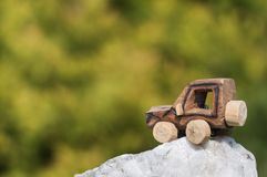 SUV玩具汽车本质上 免版税库存图片