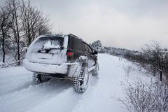 Suv на снеге Стоковая Фотография RF