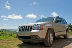 SUV auf Mountain View Stockfoto
