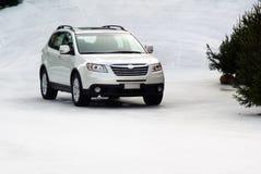 Suv in de sneeuw Royalty-vrije Stock Afbeelding
