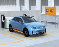 SUV elettrico nel parcheggio di car sharing Immagine Stock