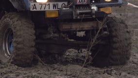 SUV en el fango almacen de video