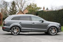 SUV grigio Audi Q7 Fotografia Stock Libera da Diritti