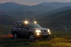 SUV na montanha foto de stock royalty free