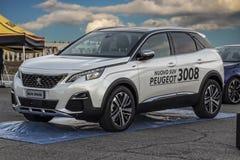 Suv Peugeots 3008 in der Ausstellung lizenzfreie stockfotos