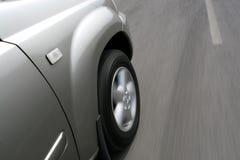 SUV Schnellfahren Lizenzfreies Stockbild