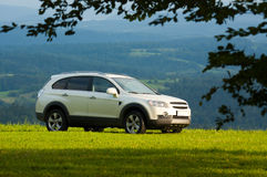 SUV on top of a mountain Royalty Free Stock Images