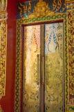 Suwankuha-Tempel Phangnga-Abschluss oben der Türen Stockfotografie