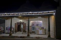 Suzani和地毯义卖市场在晚上,布哈拉,乌兹别克斯坦 库存图片