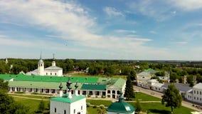 Suzdal het Kremlin met Kathedraal van Geboorte van Christus, oudste deel van middeleeuwse Russische stad stock videobeelden