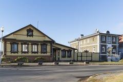 Suzdal, Rússia -06 11 2015 Rua velha Pokrovskaya Anel dourado do curso de Rússia Fotos de Stock