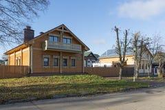 Suzdal, Rússia -06 11 2015 Rua velha Pokrovskaya Anel dourado do curso de Rússia Fotos de Stock Royalty Free