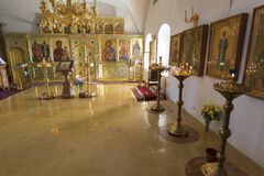 Suzdal, Rússia -06 11 2015 Suzdal, Rússia -06 11 2015 O iconostasis na igreja de Zachatievsky Ring Travel dourado Imagem de Stock Royalty Free