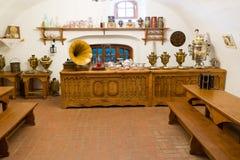 Suzdal Rosja, Listopad, - 06, 2015 Muzealna Drewniana architektura, Wewnętrzny handlarza dom Obrazy Stock