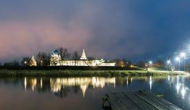 suzdal rosji Narodzenie Jezusa katedra Suzdal Kremlin przy nocą w lecie Zdjęcia Royalty Free