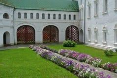 suzdal russia Århundrade för kammare XII-XVI för ärkebiskop` s guldcirkel russia ortodox arkitektur Arkivbild
