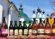 SUZDAL, RUSSIA - MAY 10: Mead and sbiren -Traditional Russian al Royalty Free Stock Image