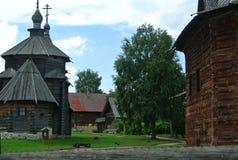 suzdal russia Träkyrkan av uppståndelsen av Kristus i museet av träarkitektur- och bonde`-liv Royaltyfri Foto