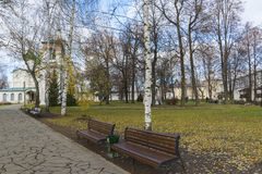 Suzdal, Russie -06 11 2015 Parc sur le territoire Photo stock